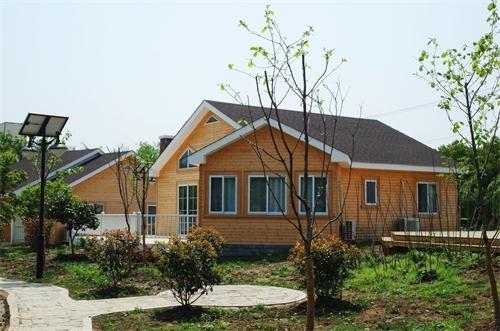 武汉木屋别墅告诉大家鄂州防腐木木屋的防潮介绍 告诉您怎么处理恩施木屋别墅外观