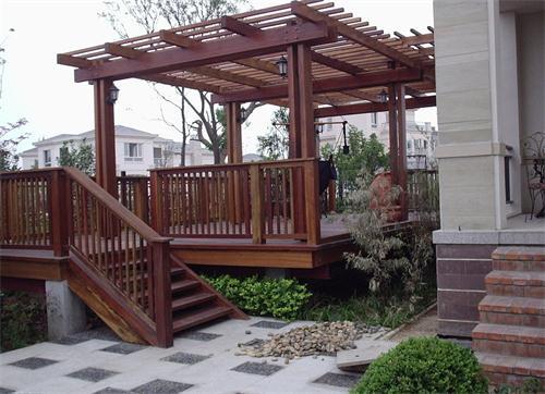 防腐木连廊设计