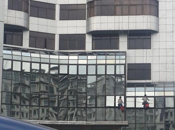 南京幕墙玻璃擦洗