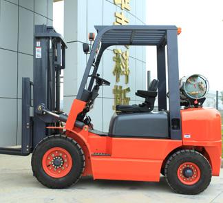 2.0 Liquefied Petroleum Gas Forklift Truck