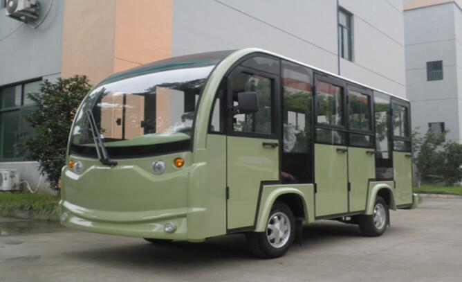 绿色观光车