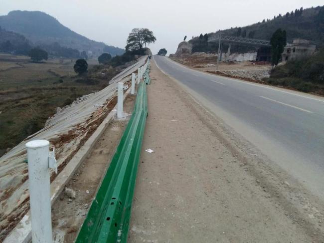 二级公路护栏安装