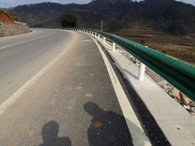贵州二级公路护栏安装