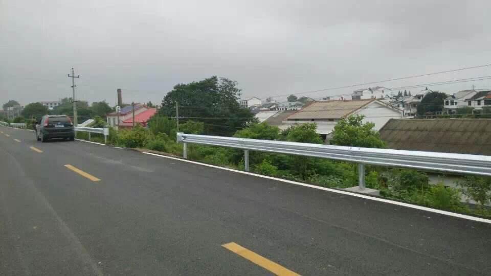 贵州波形护栏施工