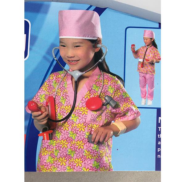 小女孩医生服装