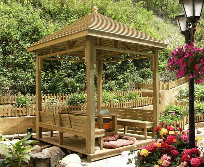 四角木质凉亭