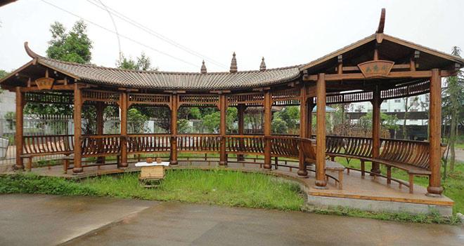 贵州防腐木长廊工程