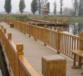 贵州防腐木护栏施工