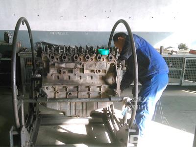 厂内发动机清洗组装