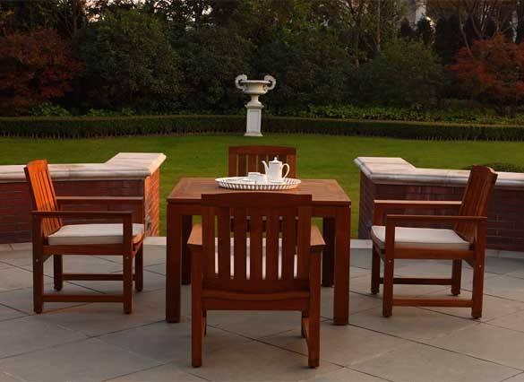木質公園椅