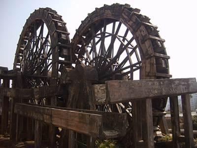 贵州防腐木水车安装
