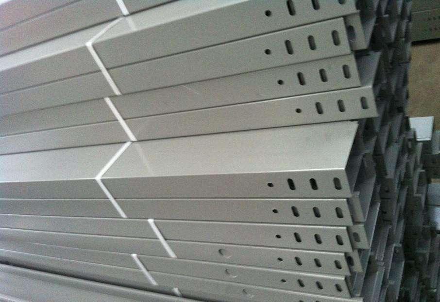 阳新大喷塑桥架