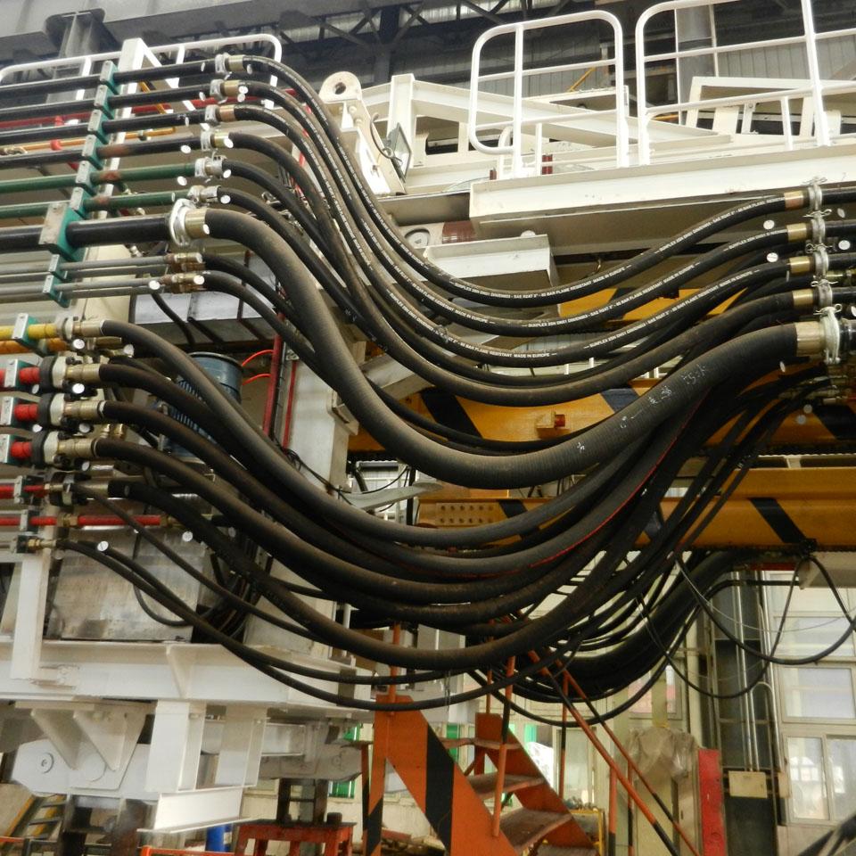 走道管路  后配套系统(注浆,加泥,泡沫,减摩, 高分子);辅助系统(液压图片