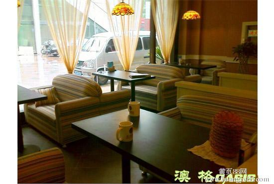 重庆餐厅桌椅高价回收