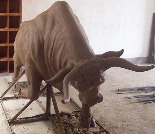 公牛雕塑品