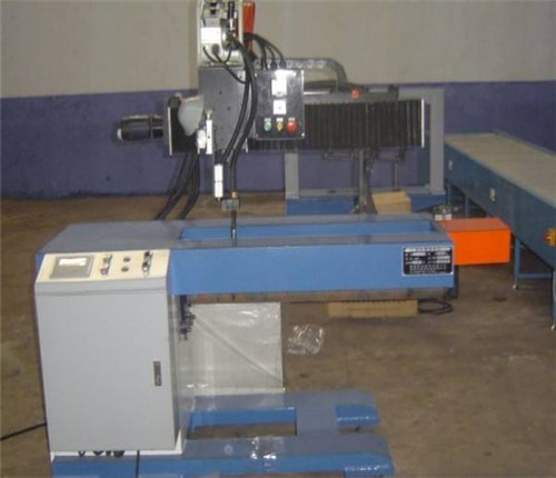 全自動止水螺杆焊接機供應