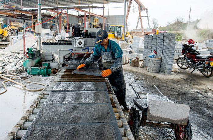 遵义石材加工厂图片