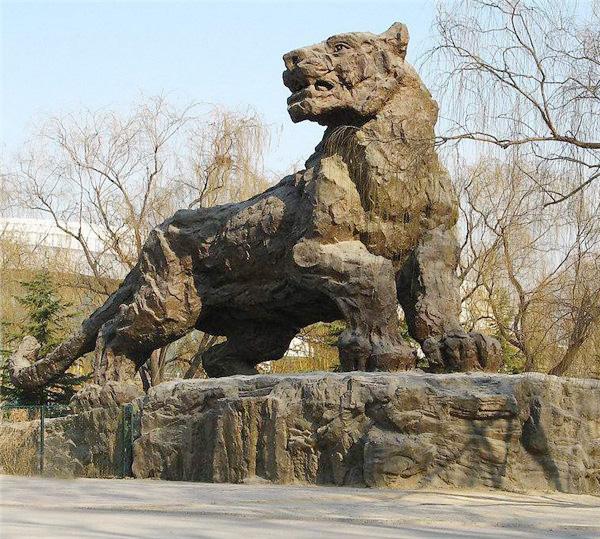 贵阳公园景区雕塑