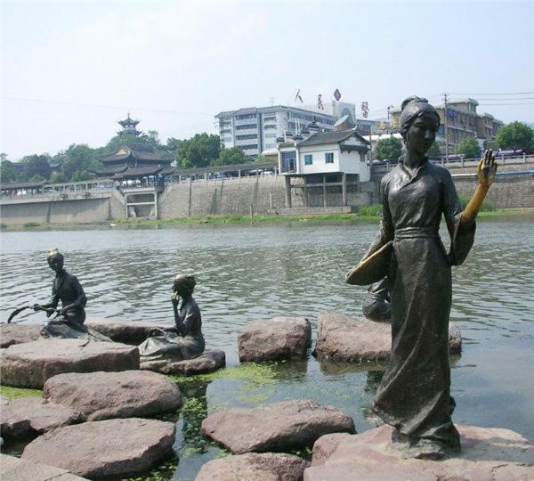 贵州人物圆雕