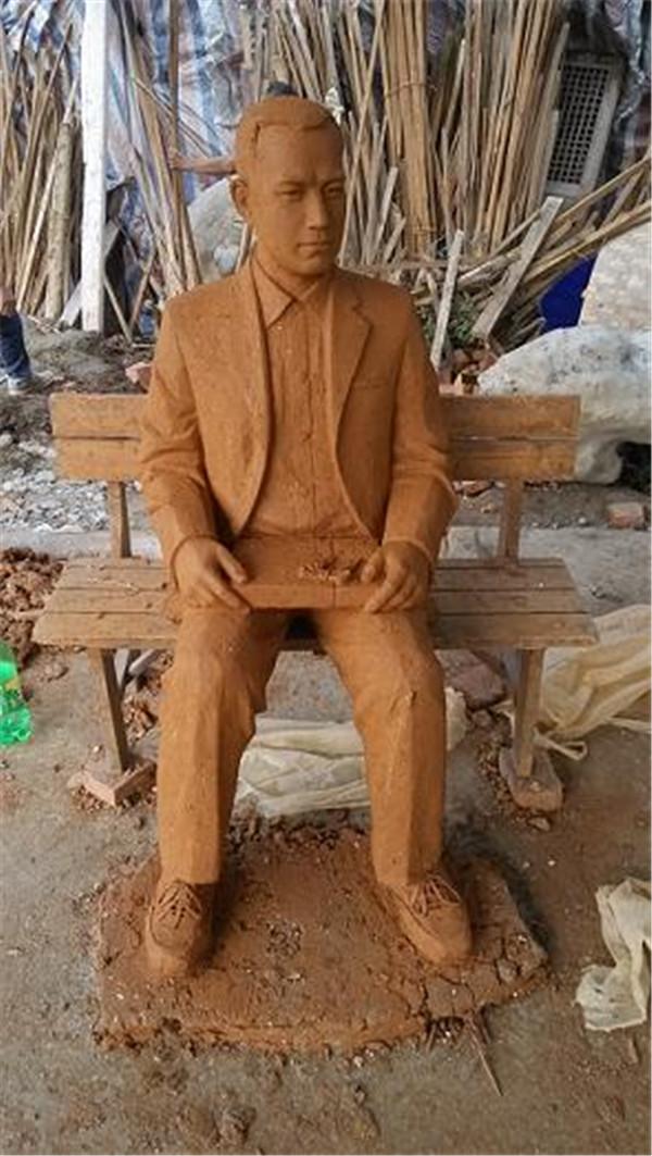 四川泥塑雕像