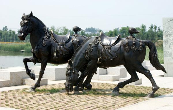 西藏铸铜雕塑