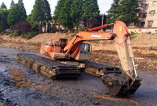履带式水陆两用挖掘机