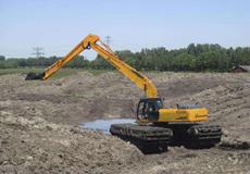 湿地挖掘机
