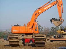 水陆两用挖掘机