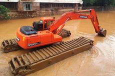 湿地挖掘机出租服务