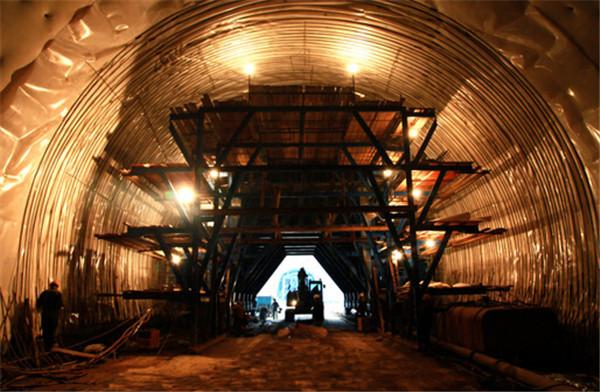 西方隧道防水