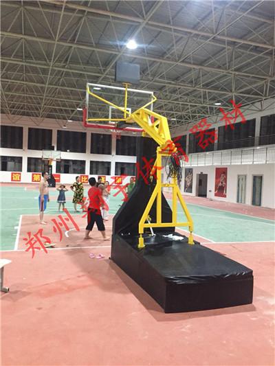 仿液压篮球架厂