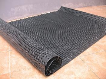 车库排水板