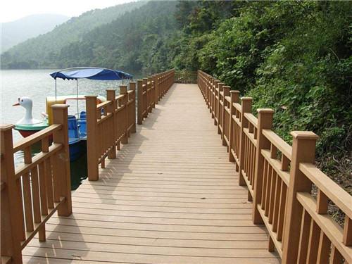河南防腐木地板围栏