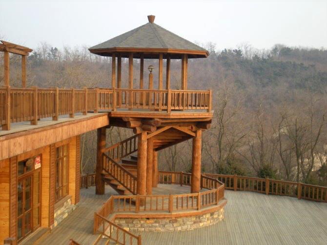 防腐木凉亭建造