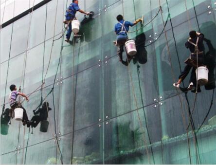 貴州玻璃幕墻清洗