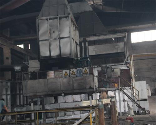 大型熔炼炉