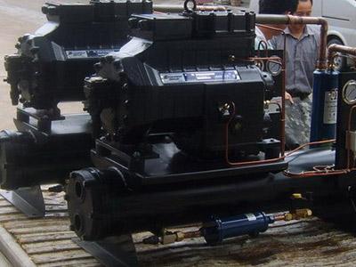 水冷压缩机组