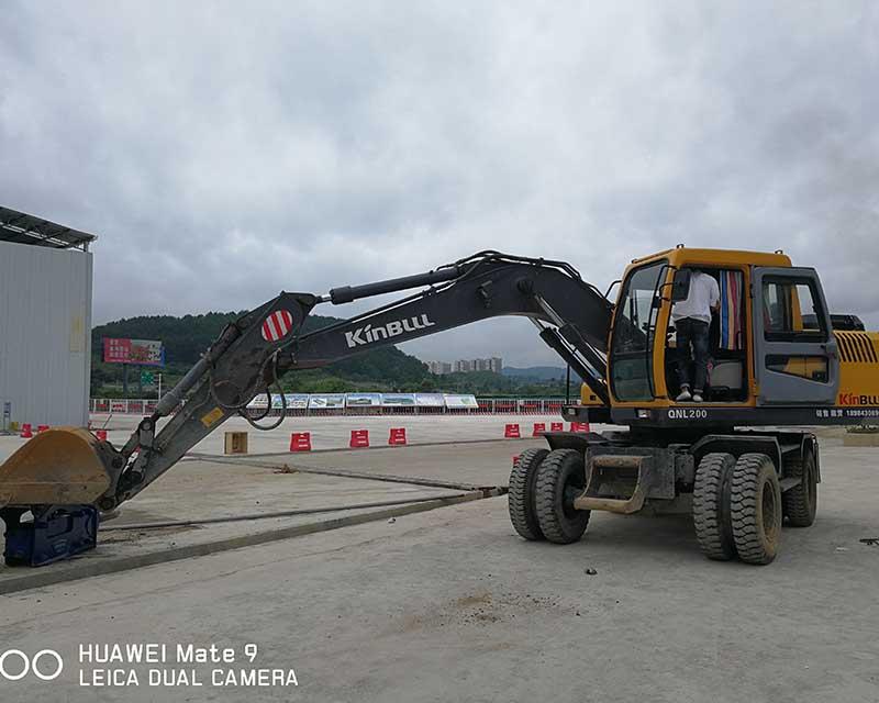 贵州胶轮挖机租赁