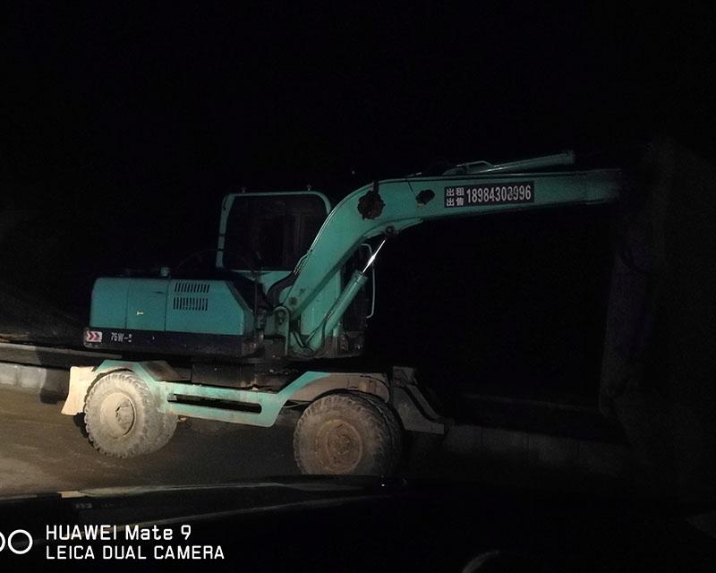 贵阳胶轮挖机租赁