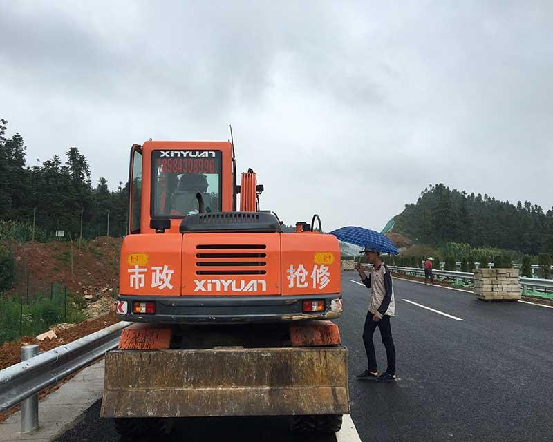 贵州挖掘机出租