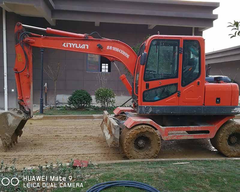 贵阳轮式挖掘机出租