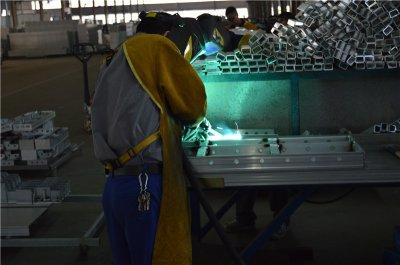 铝模板生产