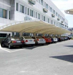 钢膜结构车棚