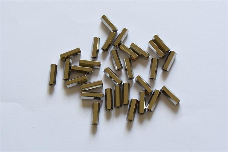 廣東六角壓鉚螺母柱