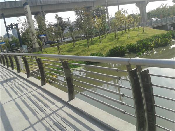 遵义不锈钢栏杆