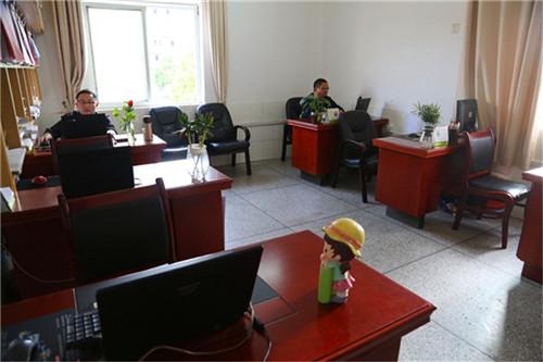 学校办公室窗帘安装