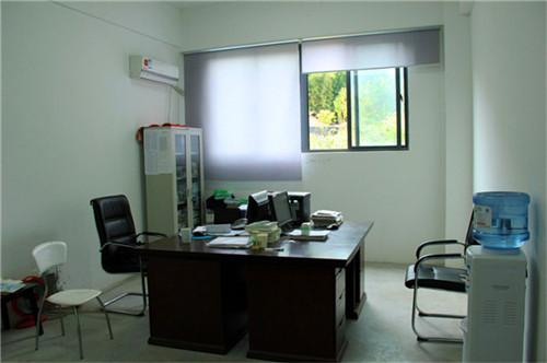 学校办公室窗帘厂家