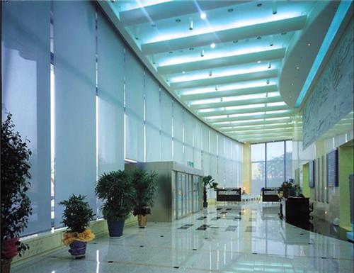 成都办公楼大厅窗帘安装