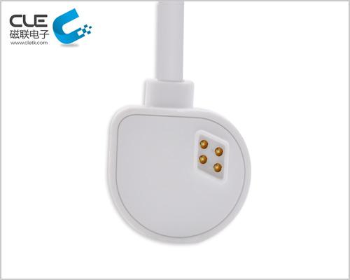 磁铁连接充电线数据线