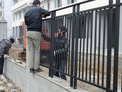 石家庄锌钢护栏安装